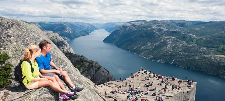 Preikestolen og Lysefjorden. Foto fra Visit Stavanger