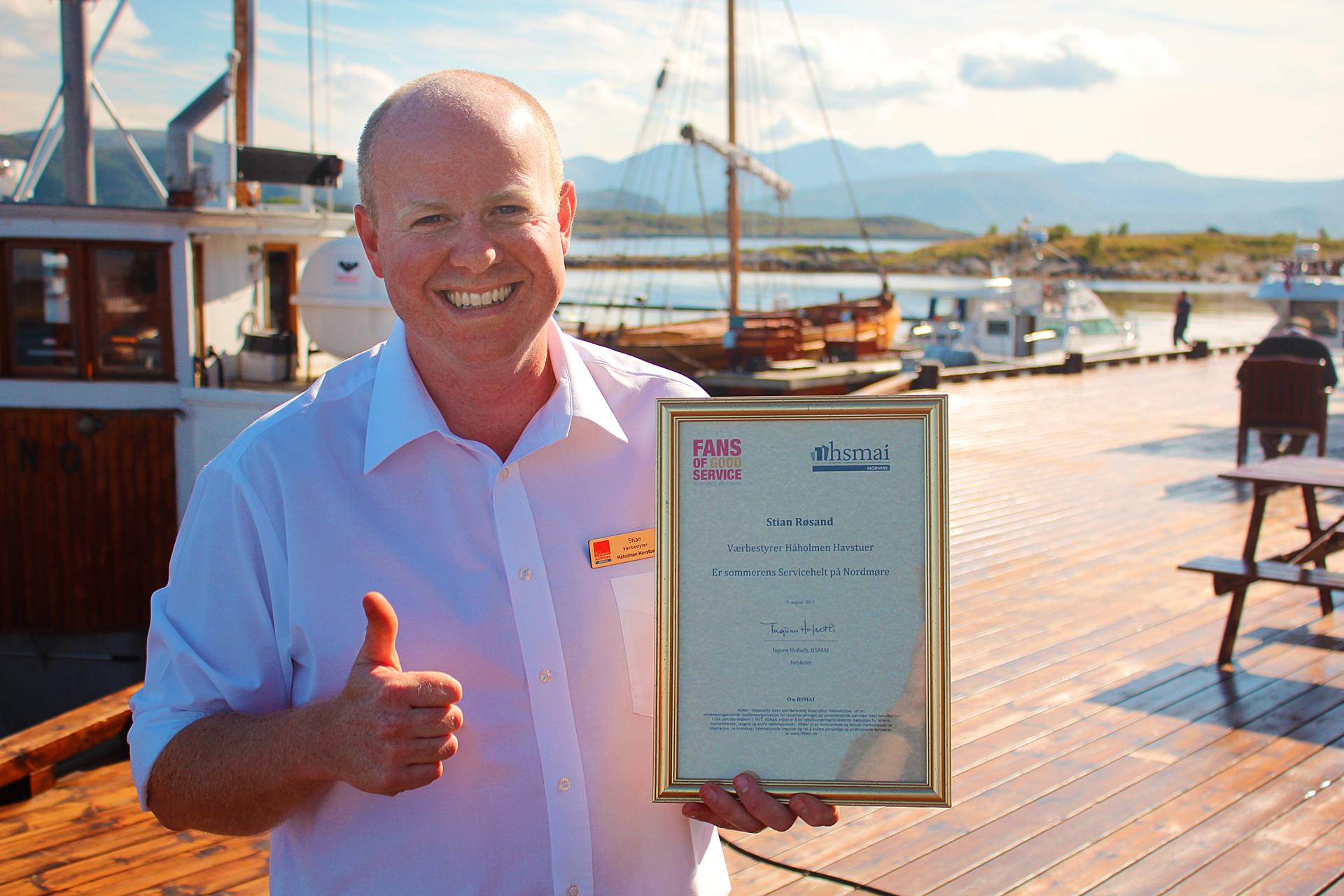 Stian Røsand er sommerens Servicehelt på Nordmøre